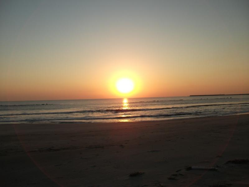 鹿島の真野漁港の朝日