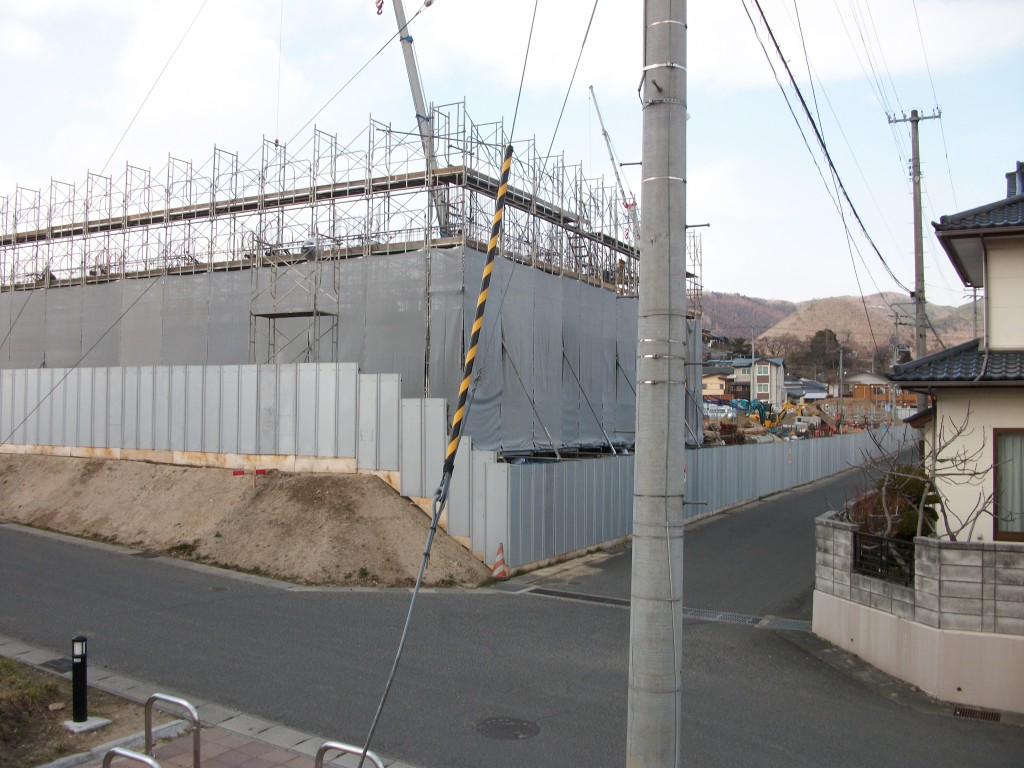 第2期の飯坂団地1号棟から3号棟の建設現場です。