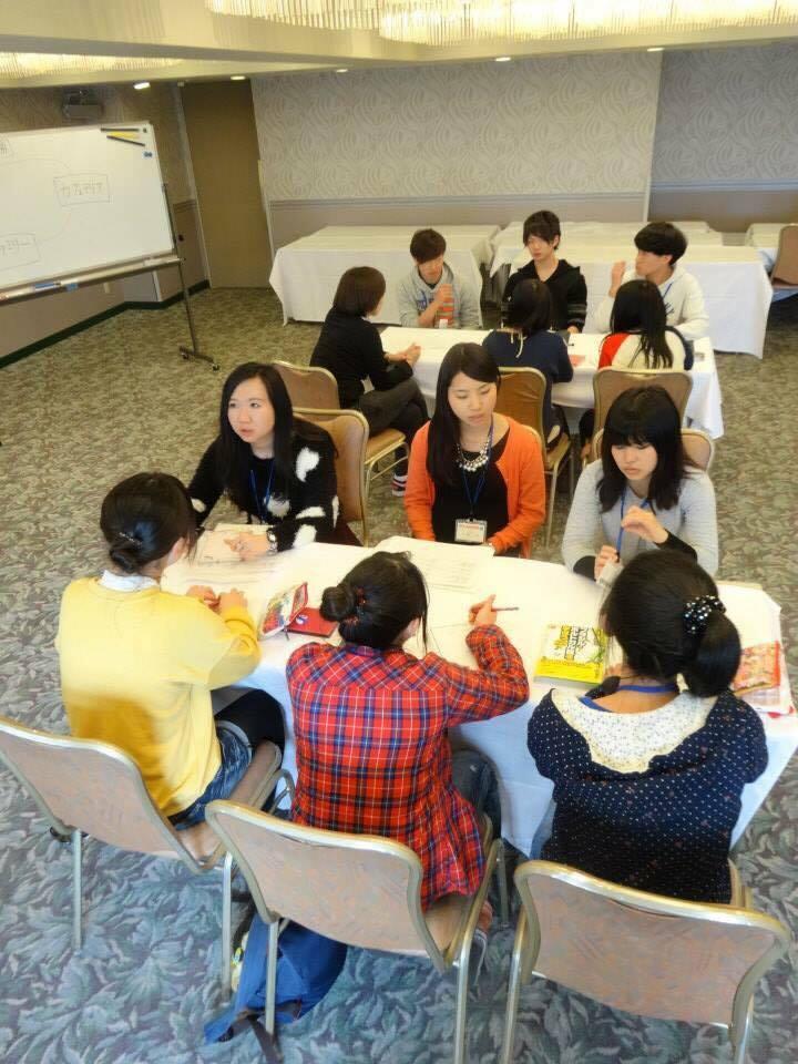 海外へ留学する高校生の指導も大切な役割
