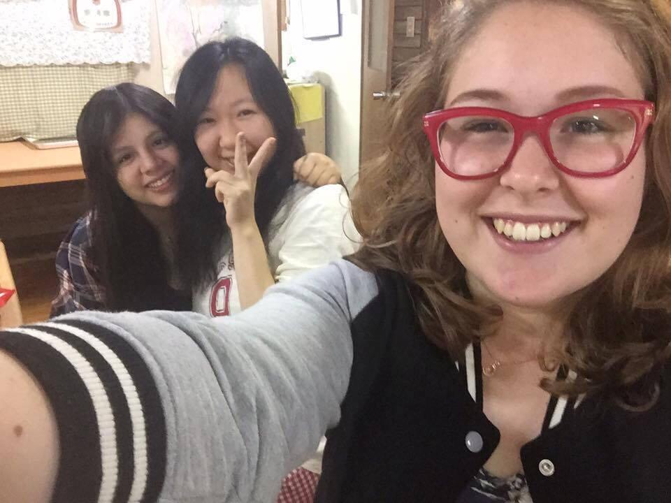 福島に留学中の高校生達と(真ん中が私)